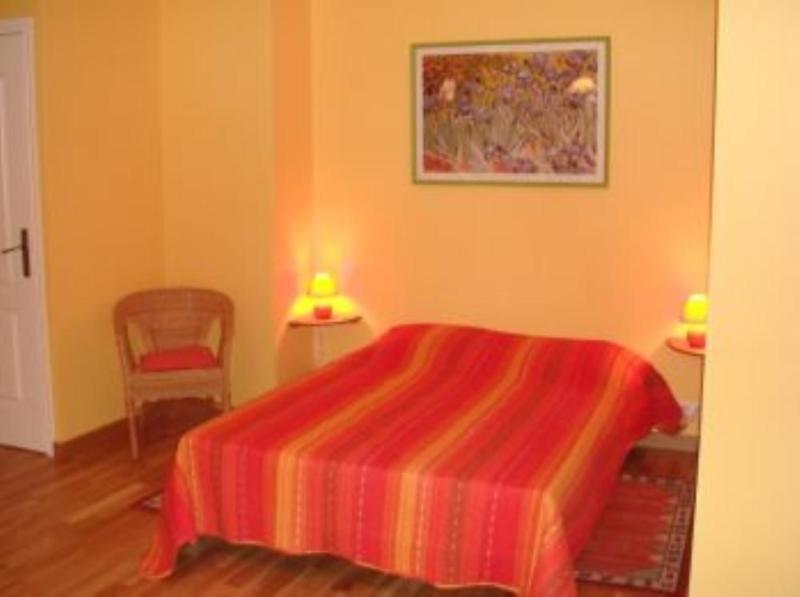 Chambre pour 2/3 personnes, location de vacances à Gilette