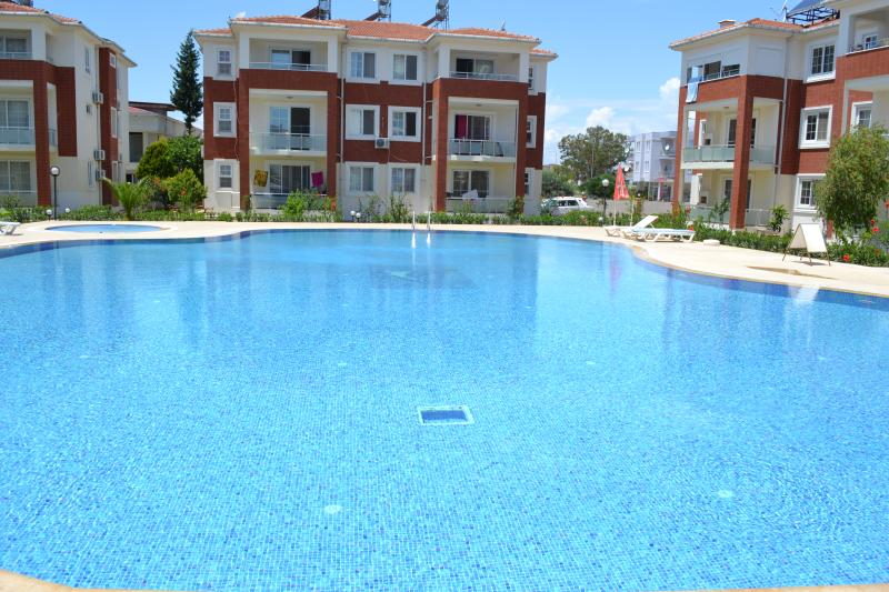 Antalya belek 1 dreamlife apart pool view - ground floor - close to center, aluguéis de temporada em Belek