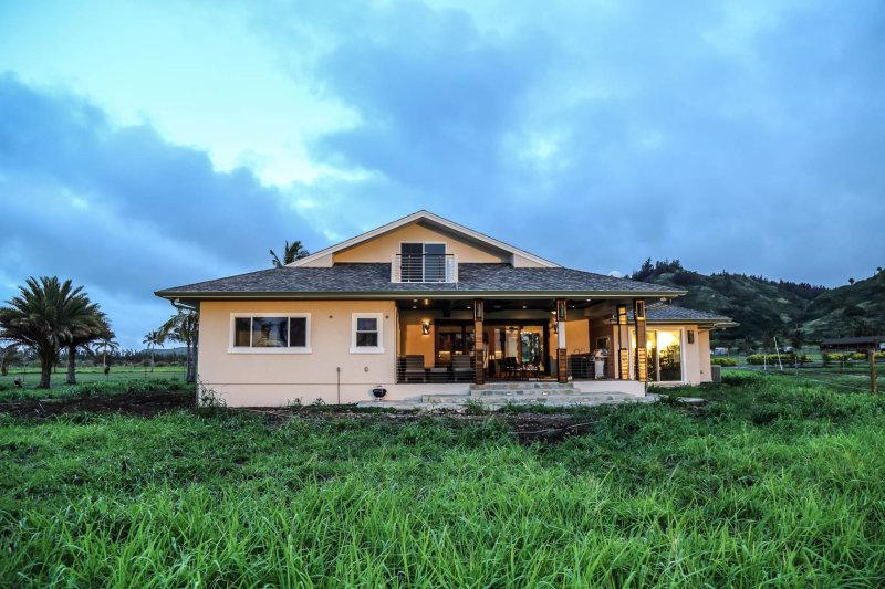 Luxury Villa with Ranch, Mountain and Ocean views.  Simply Paradise!