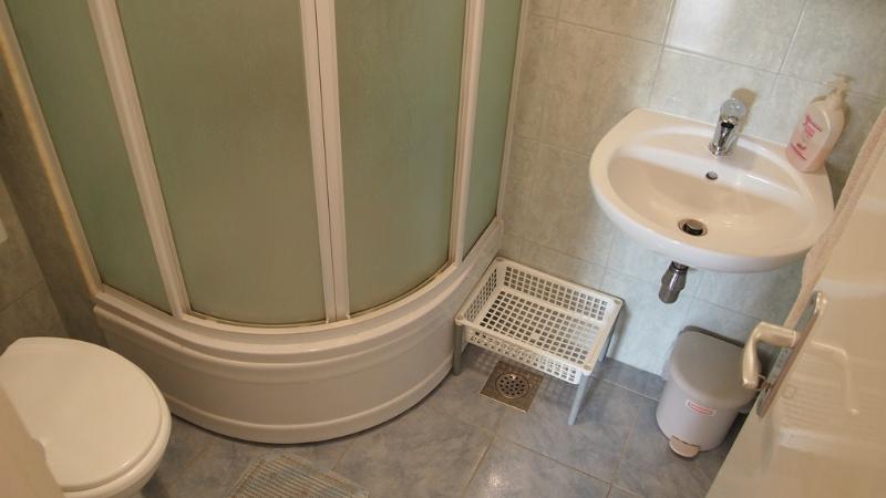 A3(2) narancasti: bathroom with toilet
