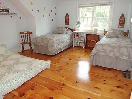 2nd Floor Bedroom with 2 Twins and a full futon mattress
