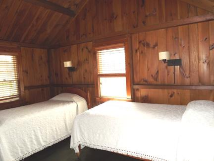 Additional Cottage Bedroom with 2 Twins