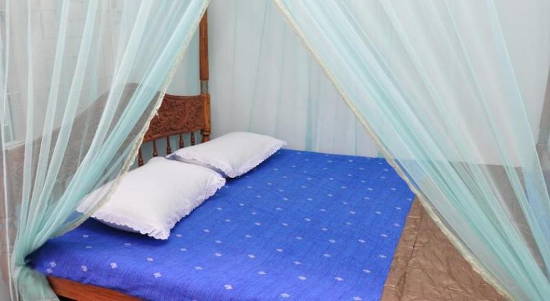 Moon Villa, holiday rental in Pitiwella
