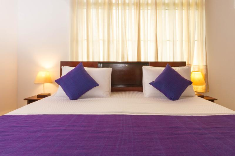 Spacious 3 bedroom apartment in Central Colombo, holiday rental in Rajagiriya