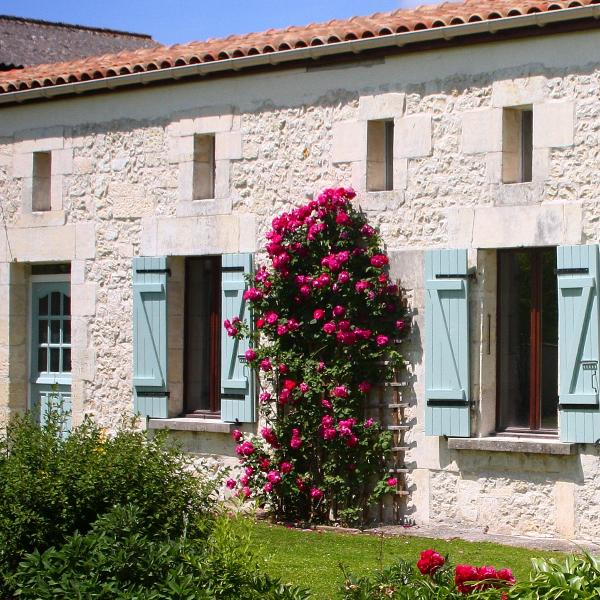 Our Gite in the heart of the French countryside, sleeps  6 people. Relax in French sunshine