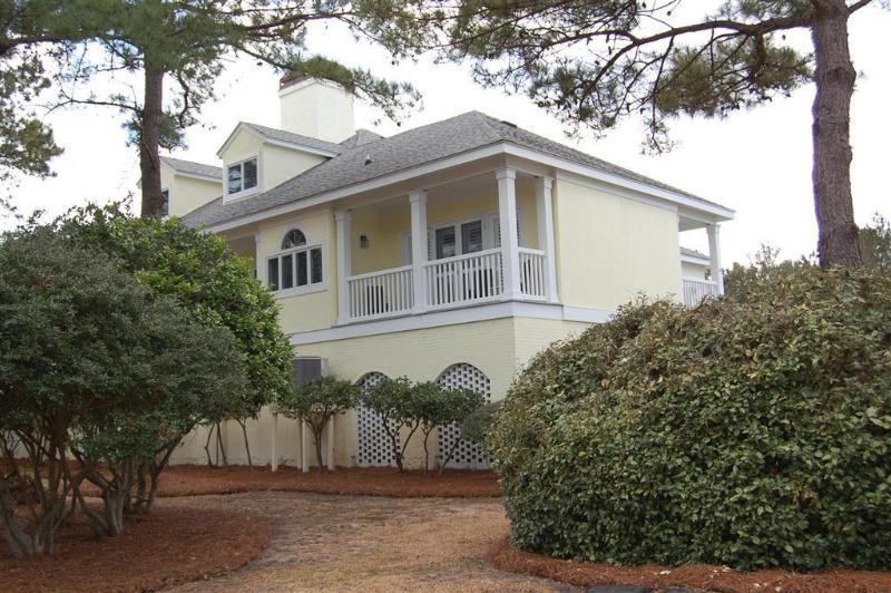 Building,Cottage,Vegetation,Tree Trunk,Fence