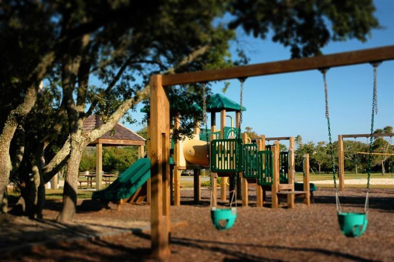 Playground,Swing,Bench