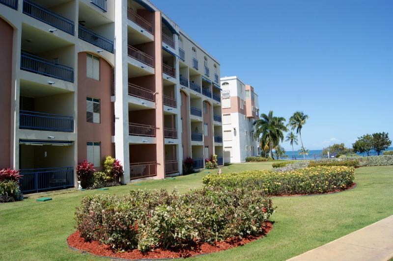 Haciendas del Club edificio 'III' dove si trova il nostro appartamento. Al piano terra, estremo sinistra sulla foto.