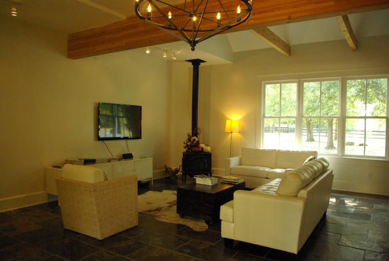 Amazing Guest House!! Bring your horses!!, holiday rental in Ridge Spring