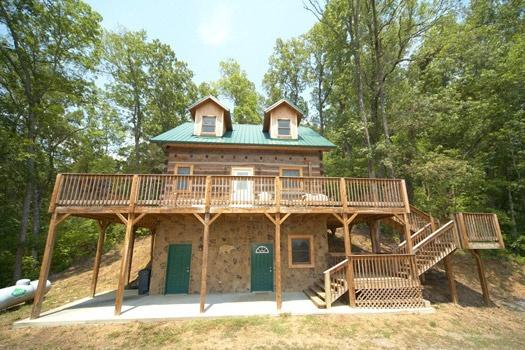 Exterior Front View at Mountain Lake Escape