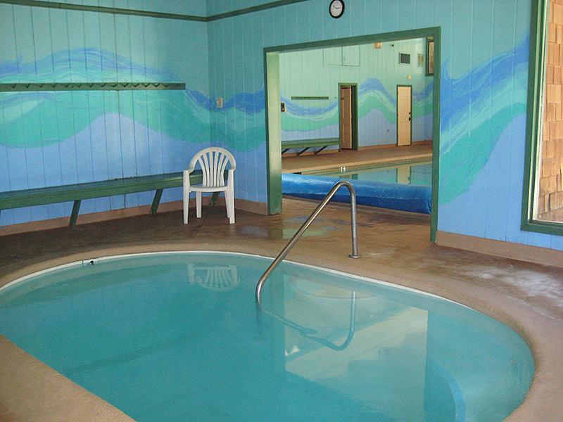 Chateau Sans Nom Large Indoor Spa