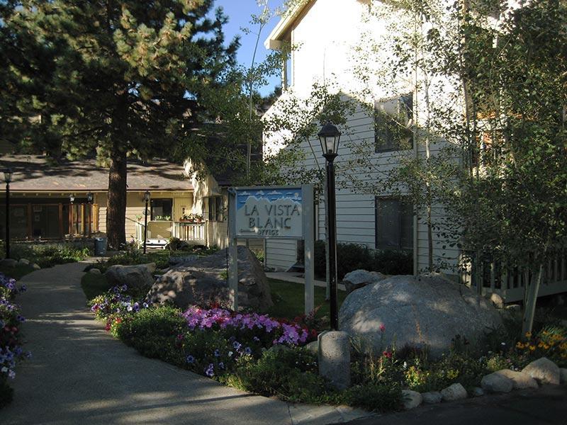 La Vista Blanc Office and Spa Area