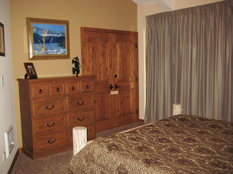 Upstairs Bedroom (Other Direction)