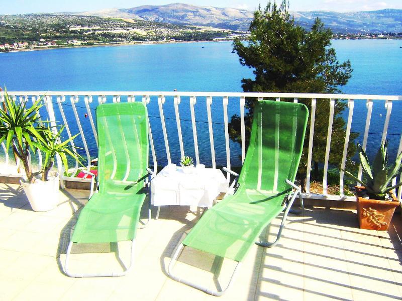 SA2(2): terrace
