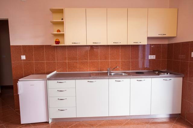 A7(2+2): kitchen