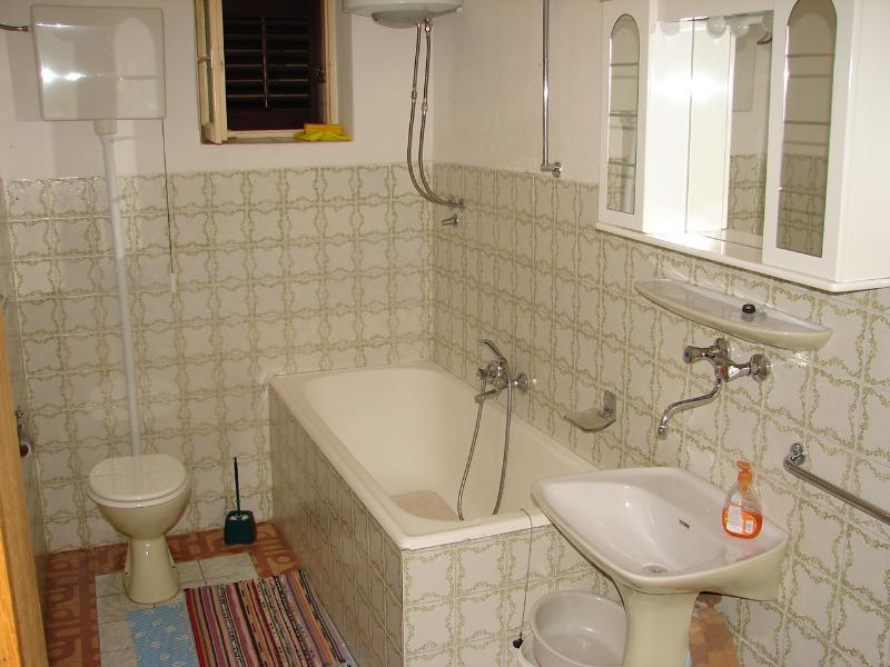 A4 (4 + 2): salle de bain avec toilette