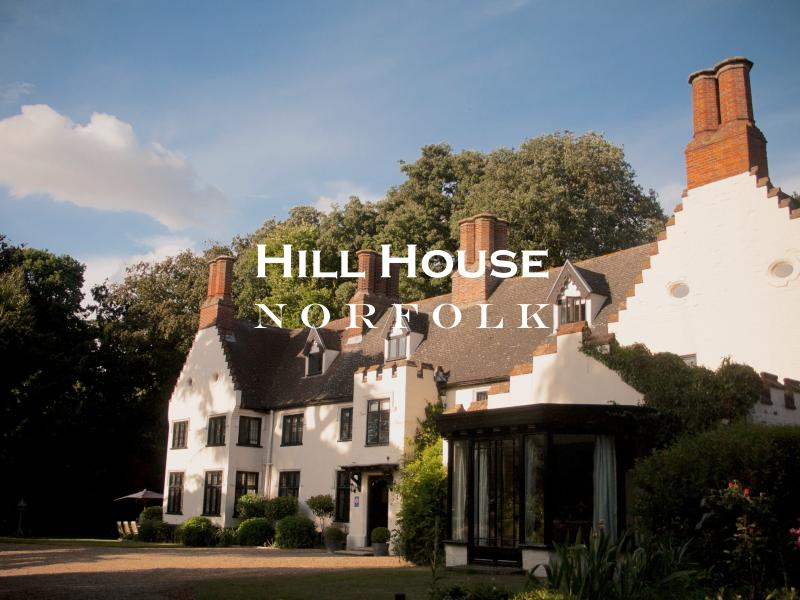 Hill House Norfolk, holiday rental in Thurton