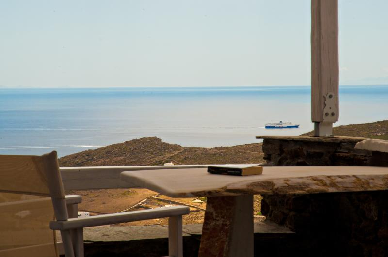 Thea Thalassa/studio SYROS, location de vacances à Laouti