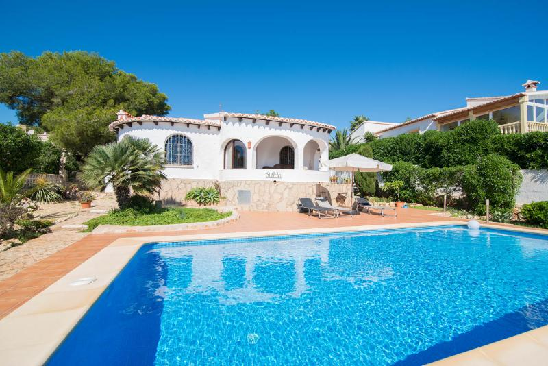 Lovely villa in an authentic Spanish style with a private pool