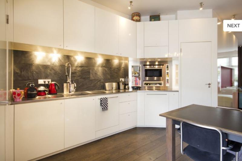 Designer Apartment with Canal view and private outdoor area, vacation rental in Badhoevedorp
