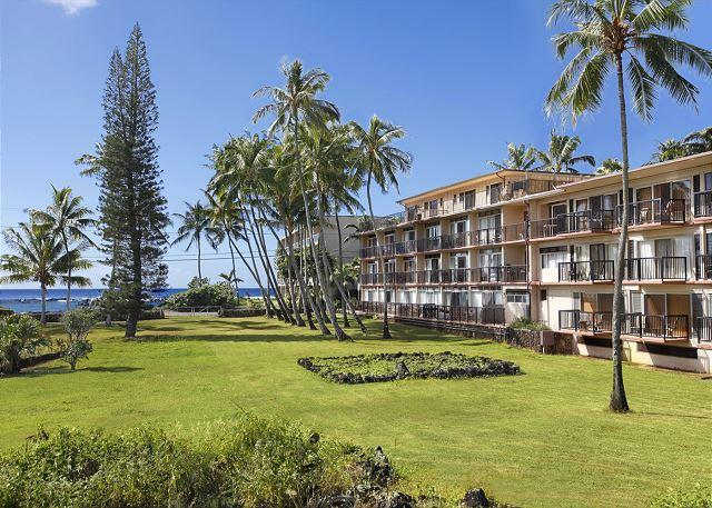 Kauai Prince Kuhio 307 *Magnificent Sunrise OCEAN VIEW on 3rd floor*, holiday rental in Waimea