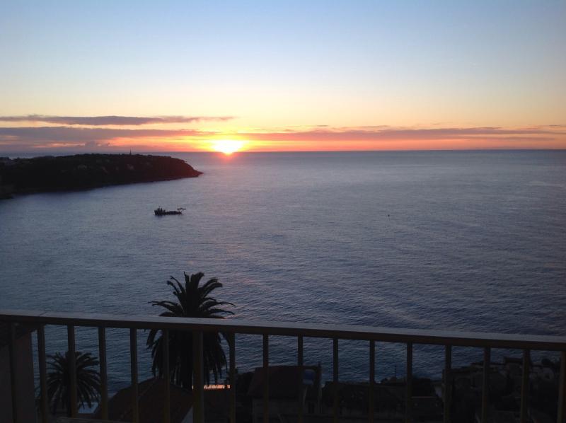 Beautiful flat with panoramic ocean view, alquiler vacacional en Roquebrune-Cap-Martin