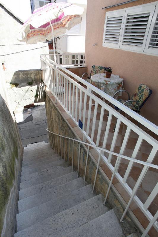 A1(5): staircase