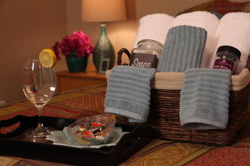 This Spa City Retreat offers peaceful accommodations and delightful amenities.