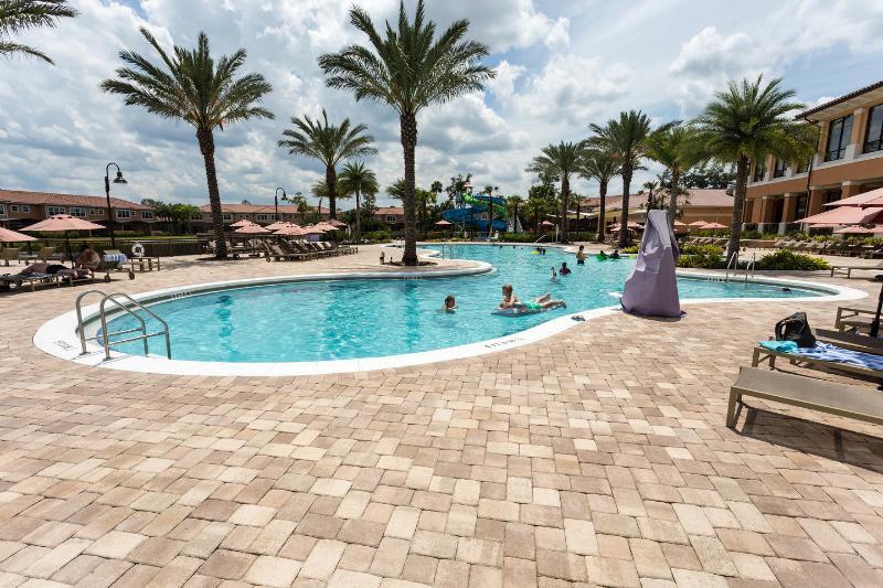 A piscina comunitária