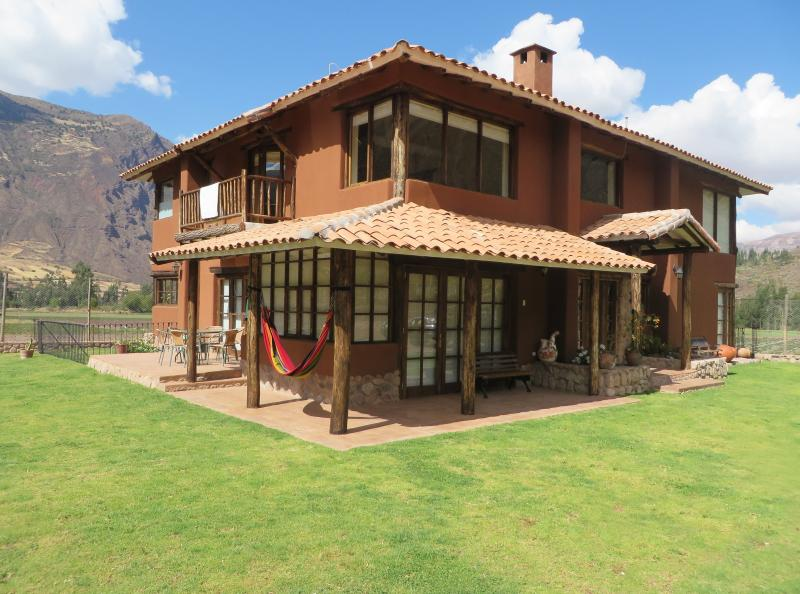 house for rent sacred valley!  ( days and weeks), vacation rental in Cusco