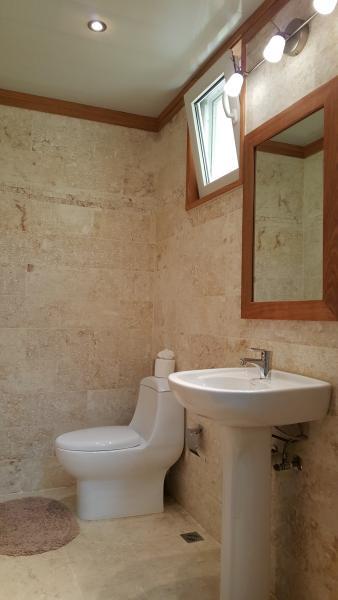 Casa de banho dos hóspedes.
