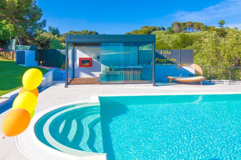 Villa il Poggiolo, ViP-Suite apartment - ITALY, vacation rental in Diano Marina