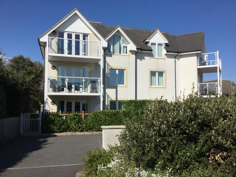 Ground floor apartment with access gate to car space and just walk across the road to the cliff top.