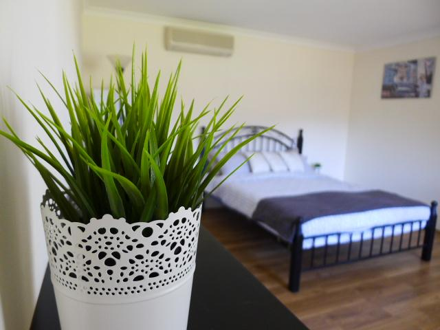 Centralize location.. Close to CBD and Fremantle, holiday rental in Canning