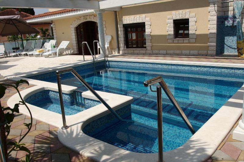 Apartment Laura - Villa Klaudia, vacation rental in Trogir