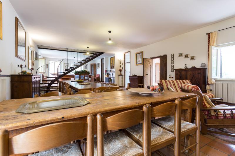The Villa sitting/dining room.