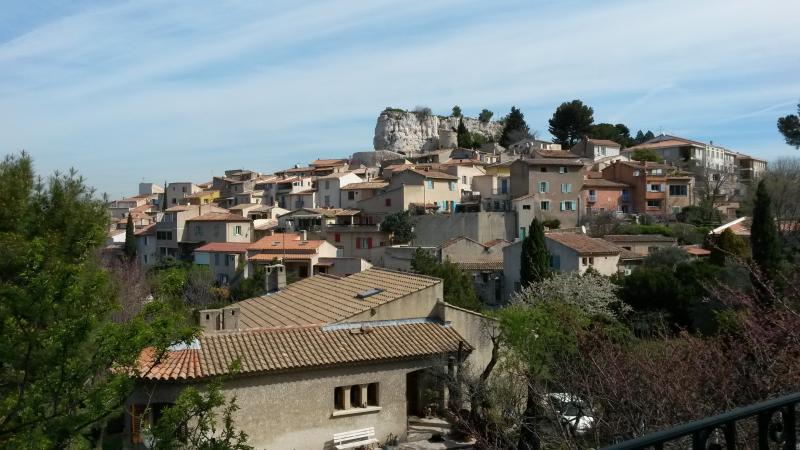 chambre au calme a 15 mns aix en provence, vacation rental in Bouc-Bel-Air
