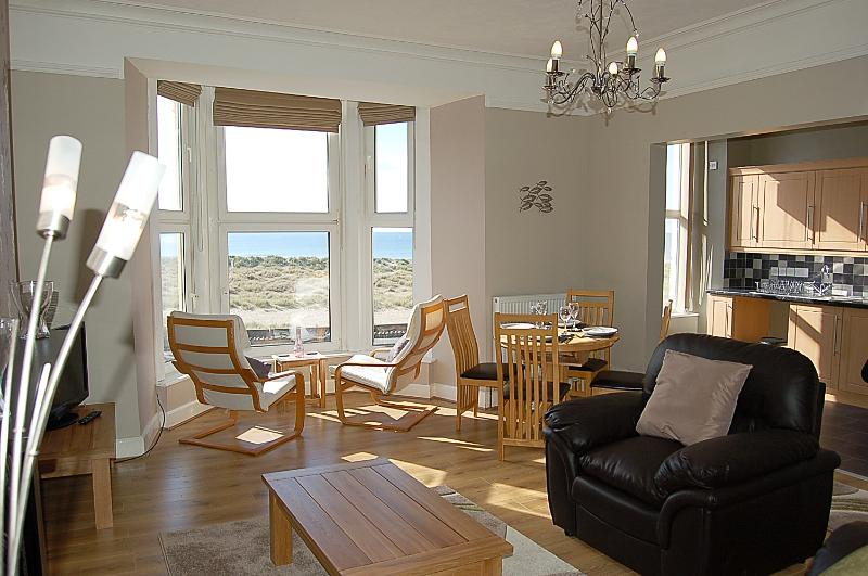 Barmouth (Abermaw) Sea View Apartment, holiday rental in Barmouth