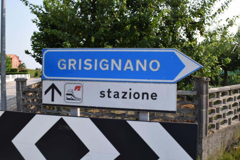 Arriving at the apartment by car on Autostrada A4, Exit Grisignano, right, then right to Camisano