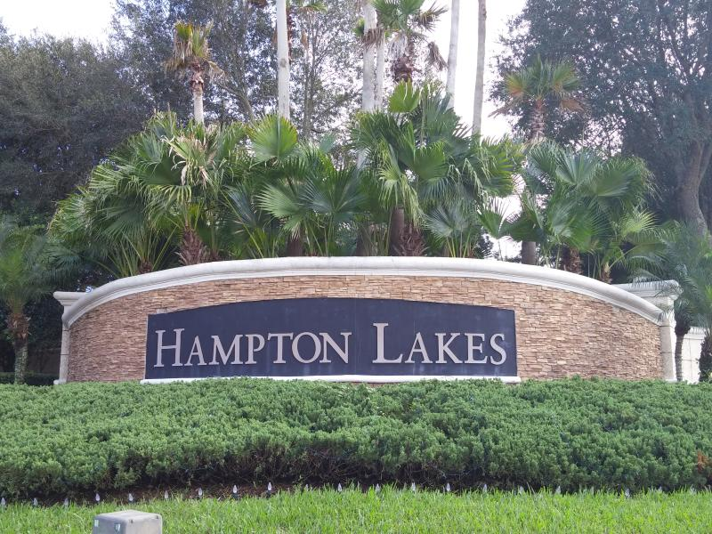 Entrance to Hampton Lakes