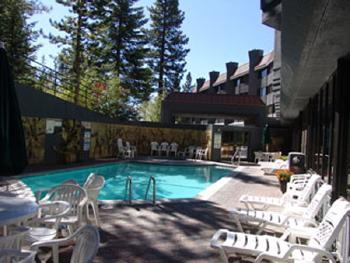 Christmas week at Tahoe Available  Dec 20-27th sleeps 6.  Across from Heavenly, vacation rental in South Lake Tahoe
