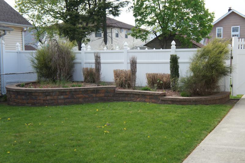 Front yard planter island