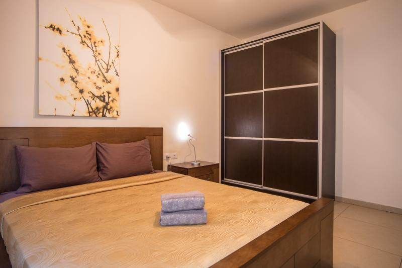 Suite-Sunset- (apartment #3) Bedroom 1