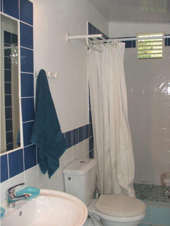 Salle d'eau chambre 4, 2ème étage.