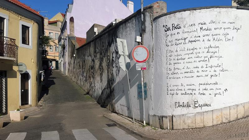 Travessa do Monte Street, poem of Florbela Espanca in the Wall