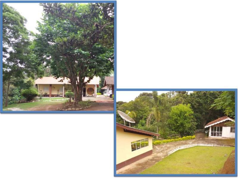 casa com ampla área verde, lugares para redes, quiosque de churrasqueira)