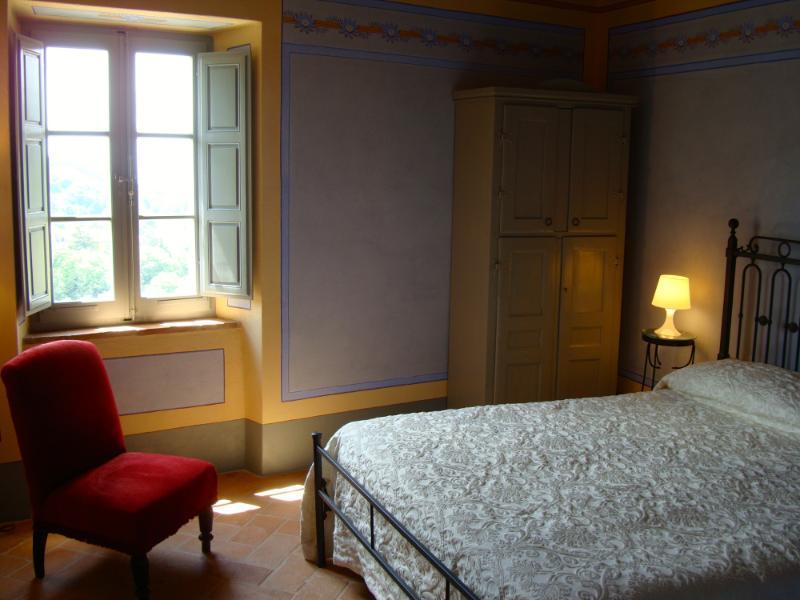 Le Antiche Mura - Camera Azzurra, vacation rental in Catabbio