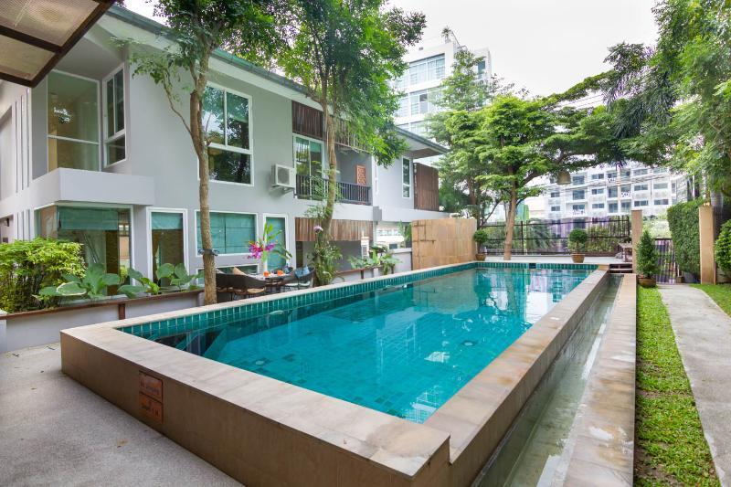 12 bedrooms villa near walking street, holiday rental in Pattaya