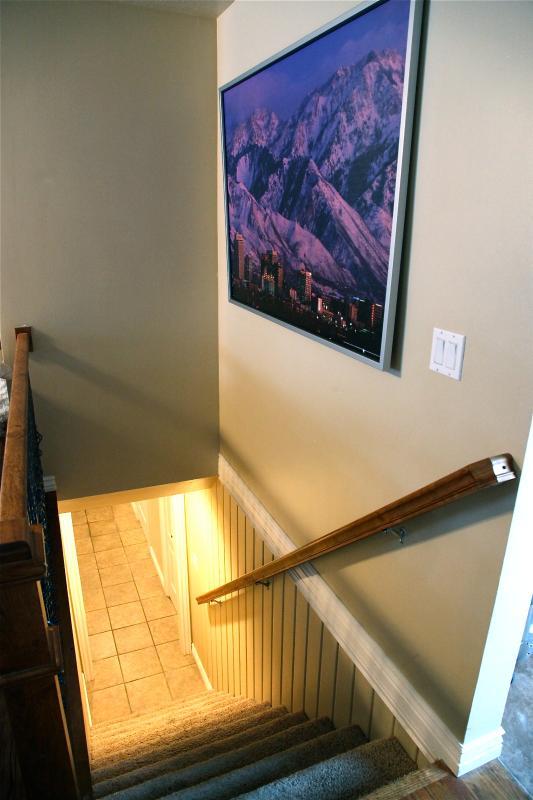 Couloir à l'étage en bas merveilleux