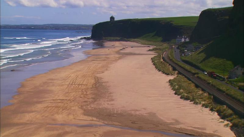 Vista della spiaggia in discesa